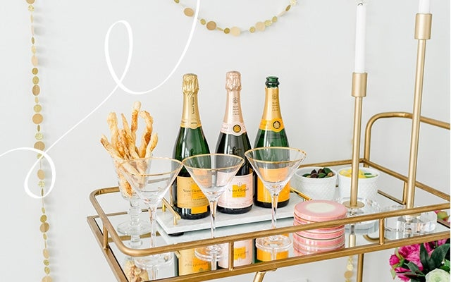 How to throw a super stylish New Year's Eve Party